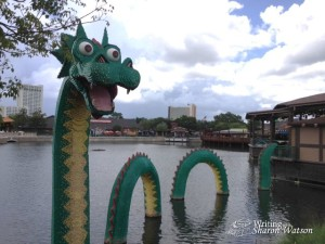 Legos serpent in water image